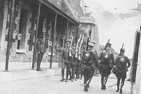 british_troops_leave_camden.jpg